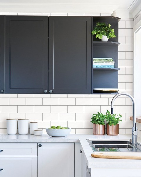 Parkway Off-White Subway Tile Wallpaper