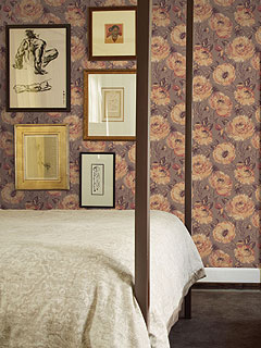 BR31501 Red and Brown Floral Wallpaper (SBK24621)